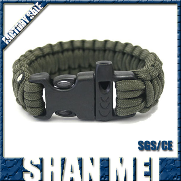 Hight quality Emergency call items braided Paracord bracelet with whistle