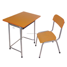 User-friendly single seat smooth surface college school desk and chair