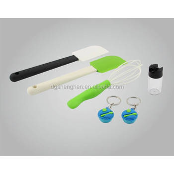Slices/ spatula/ plastic scraper/ Kitchen plastic accessories and molds