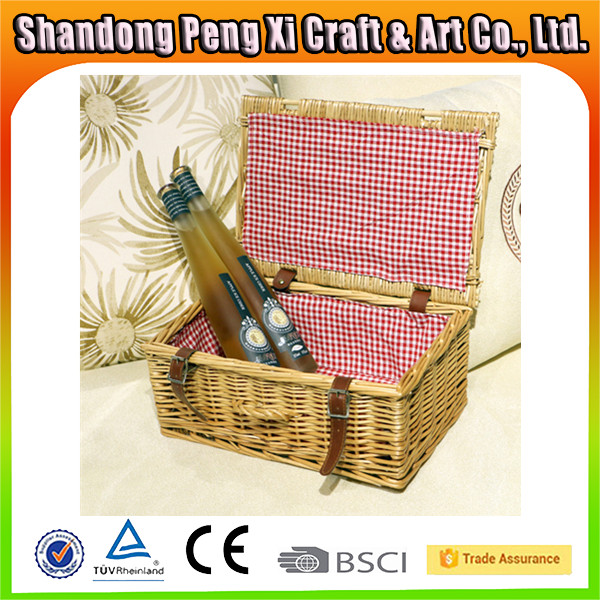 Eco-friendly handicrafts design willow wicker picnic lined basket wholesale