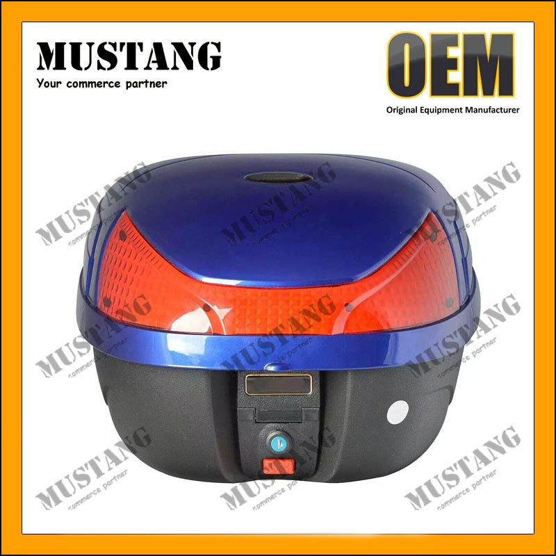 Motorcycle top case with LED light