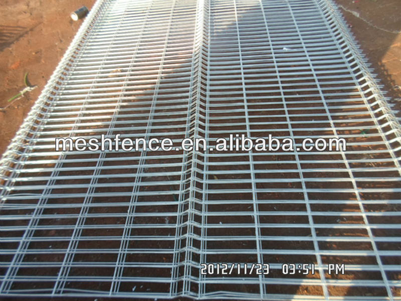 2013 new style 4mm welded mesh galvanized fencing