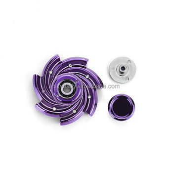 2017 Unique zinc alloy tri finger spinner fidget
