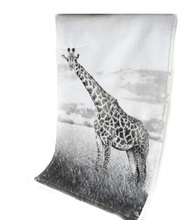 Enviromental activity promotion 100 cotton super large size black and white arts beach towel