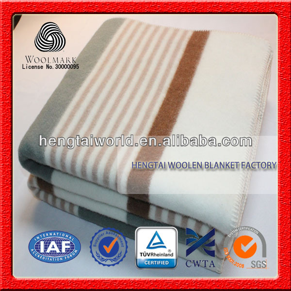 NO.1 China blanket factory Different kinds of fabric with pictures, comfortable new design wool blanket