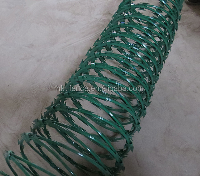 450mm 3 clips BTO 22 PVC coated razor barbed wire