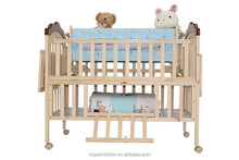 Best Selling Factory Price Wooden Baby Carriage Crib with Royal Cradle and Mosquito Net