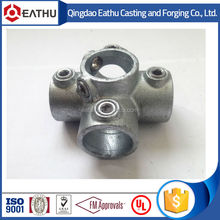 Malleable iron cross pipe clamp