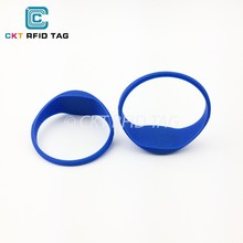 Elegant Slim Band Custom Logo Silicone Rubber NFC Wristbands with NTAG213 chip