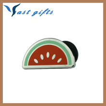 Trendy gifts in US custom hard enamel lapel pin badge made in China