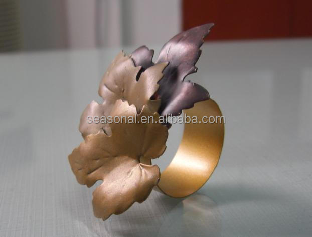 Wholesale Antique brass copper metal flower napkin towel ring ring wedding festival decoration