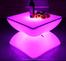 2017 rechargeable round led light table with metal stand/illuminated plastic led cocktail table/nightclub table