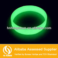 2014 best selling factory price soft elastice fluores luminous silicone bracelet