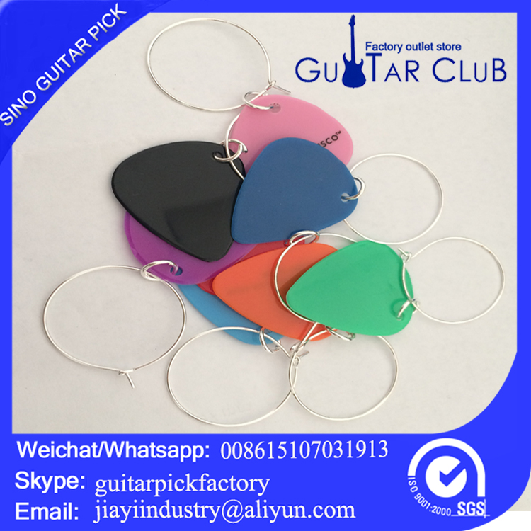 wholesale glass rings, Christmas wine bottles, guitar picks holiday decorations