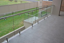 China factory price outdoor balcony frameless glass railing with glass spigots