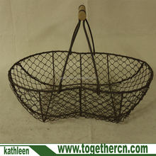 Country Style Rustic peanut shape Metal Wire Harvesting Basket with wooden Handles