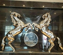 Wall decoration mirror polished horse sculpture with LED lighting <strong>LOGO</strong> for Bahrain 5 starts hotel