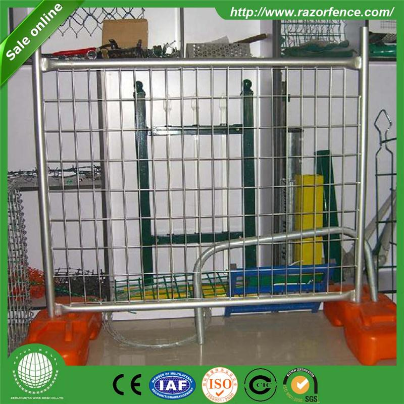 Plastic PE coated corner fence with high quality