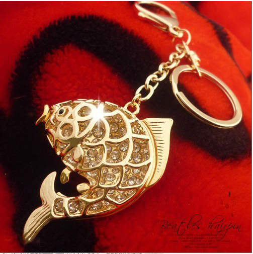 Hollow Fish Shape key chain Alloy Encrusted With Pave Setting Crystal Big Pendants keychain key ring