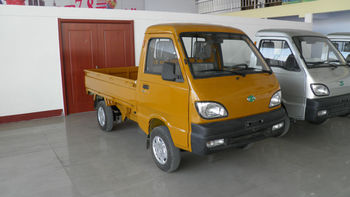 mini truck gOne-T01 gasoline engine 19kw/25hp 2 cylinders 644ml displacement 19kw/25hp single cabin 2 seats