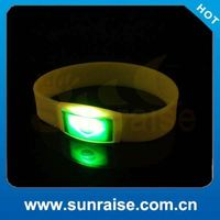 2014 New Style multi-color led bracelet with batteries new gift world cup gifts made in china Factory in Shenzhen