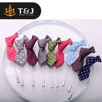 2016 New Popular Men Cloth Lapel Pin Stripped Tie Shape Brooch for Suit Fashion Wedding Mens