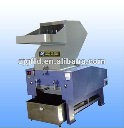 Plastic bottle crusher/PET bottle crushing recycling machine