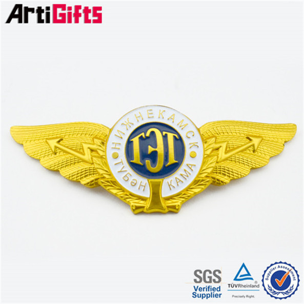 Free design metal lapel badges in antique imitation crafts