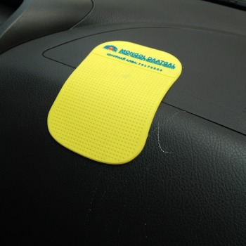 Eco-friendly non slip pvc car mat Car Non Slip Mat for phone Car phone mat