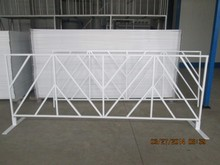 galvanized pipe Powder Coated Pedestrian Barriers With Flat Feet