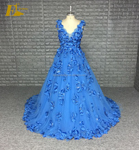 2017 New V Neckline Low Back Flower Appliques Bridal Dress Blue Wedding Party Dress