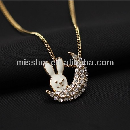 High quality rabbit moon rhinestone charm necklace jewelry for promotion gifts Valentine gifts jewelry Woman pendant necklace