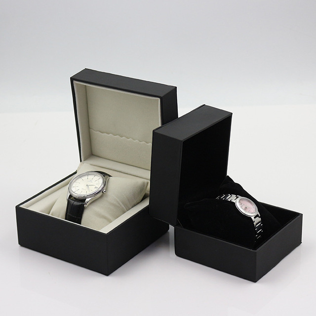 2018 Latest Fashion White Magnetic Cardboard Watch Box