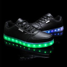2016 Low MOQ Cool Fashion led Luminous Shoes LED Light Women Men Shoes Wholesale
