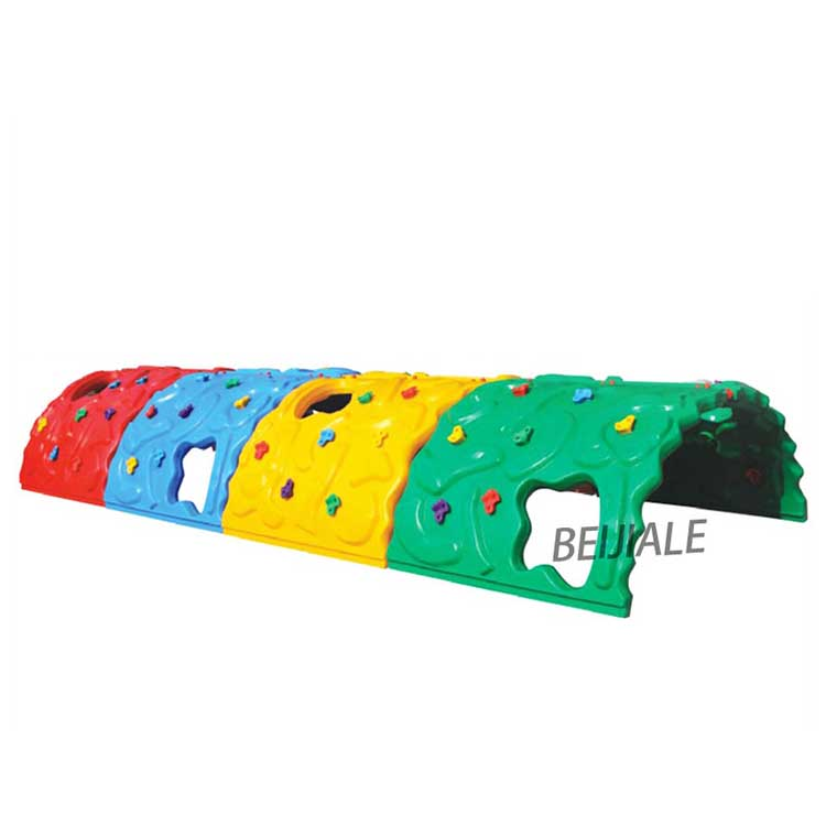 Popular used kid's plastic rock climbing wall