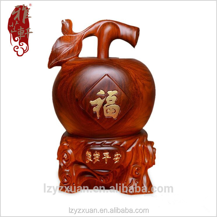 2017 New design apple shape statue stands on the round wood base