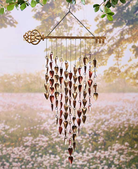 decorative heart-shaped wind chime for garden decoration