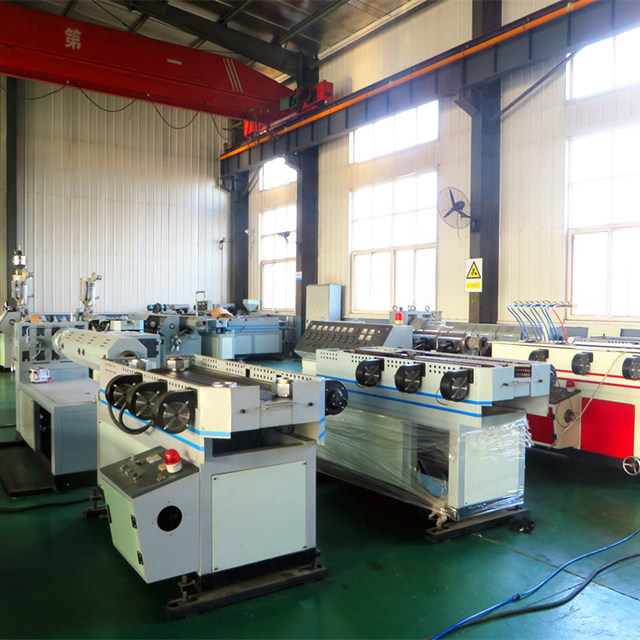 Plastic single wall corrugated pipe machine plastic corrugated electric threading extruding line