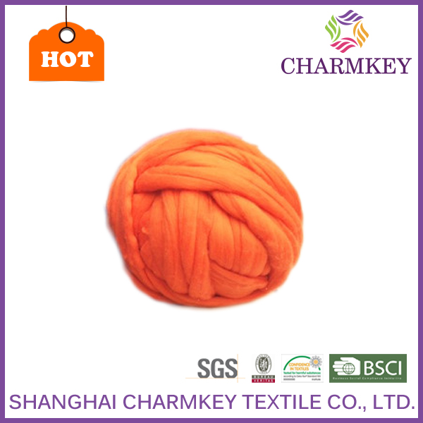 CHARMKEY BRAND wholesale high quality dyed Merino Wool Roving with 23 Micron Super Chunky Yarn