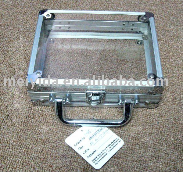 Aluminum transparent suitcase