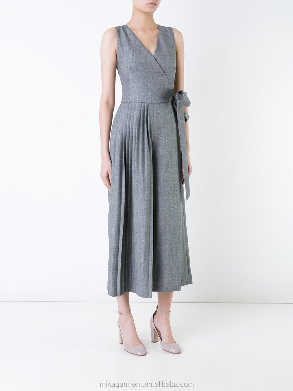 MIKA2513 Sleeveless Pleat Design Jumpsuit