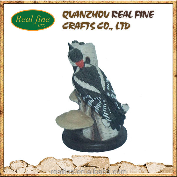 Home decoration resin woodpeckers figurines