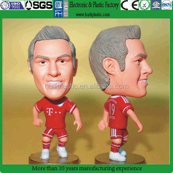Cartoon soccer figure player,oem soccer player action figure,Custom plastic miniature soccer player figure