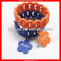 2013 fashionable and beautiful wide silicone chain perfumed bracelets with custom logo