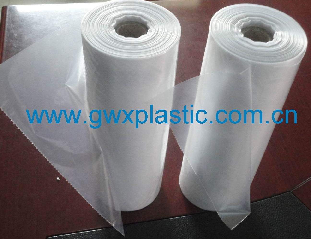 Plastic PE food bags on roll with paper core