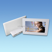 hot sale 7inch HD digital photo frame with black and white color