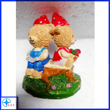 miniature resin cute two bear figurines