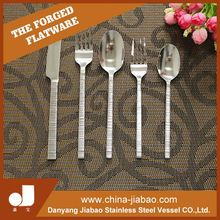 2015 factory sale carbon steel straw fork/farming form with wood short handle garden fork