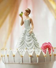 Princess Bride Kissing Frog Prince Figurine for wedding