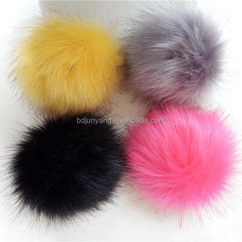 Hot sales faux fur pompom wholesale fur pom poms ball for woman cellphone/handbag/hats